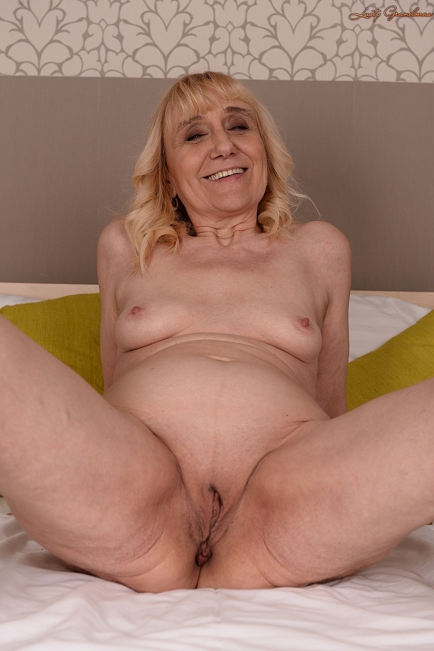 old granny pussy open