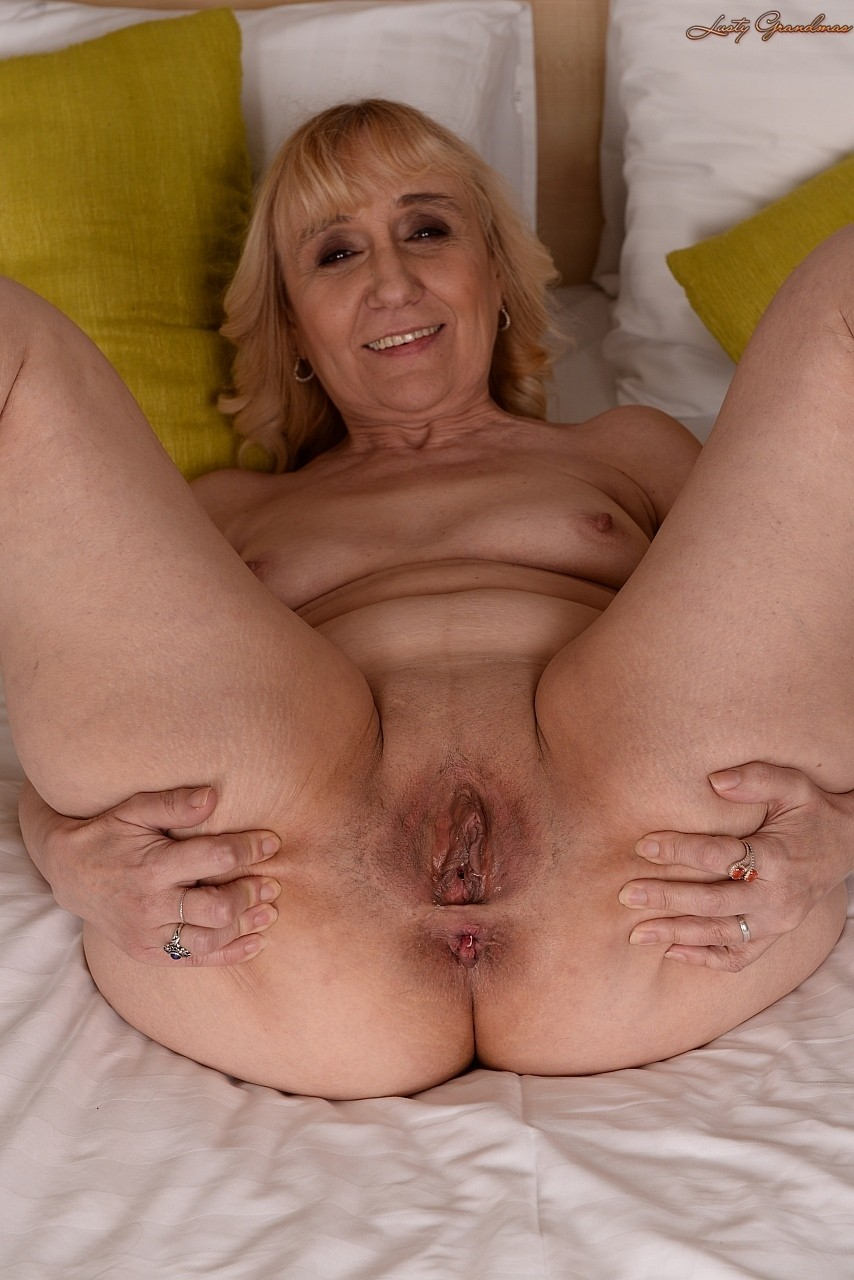 old grandmothers amateur pussy pics