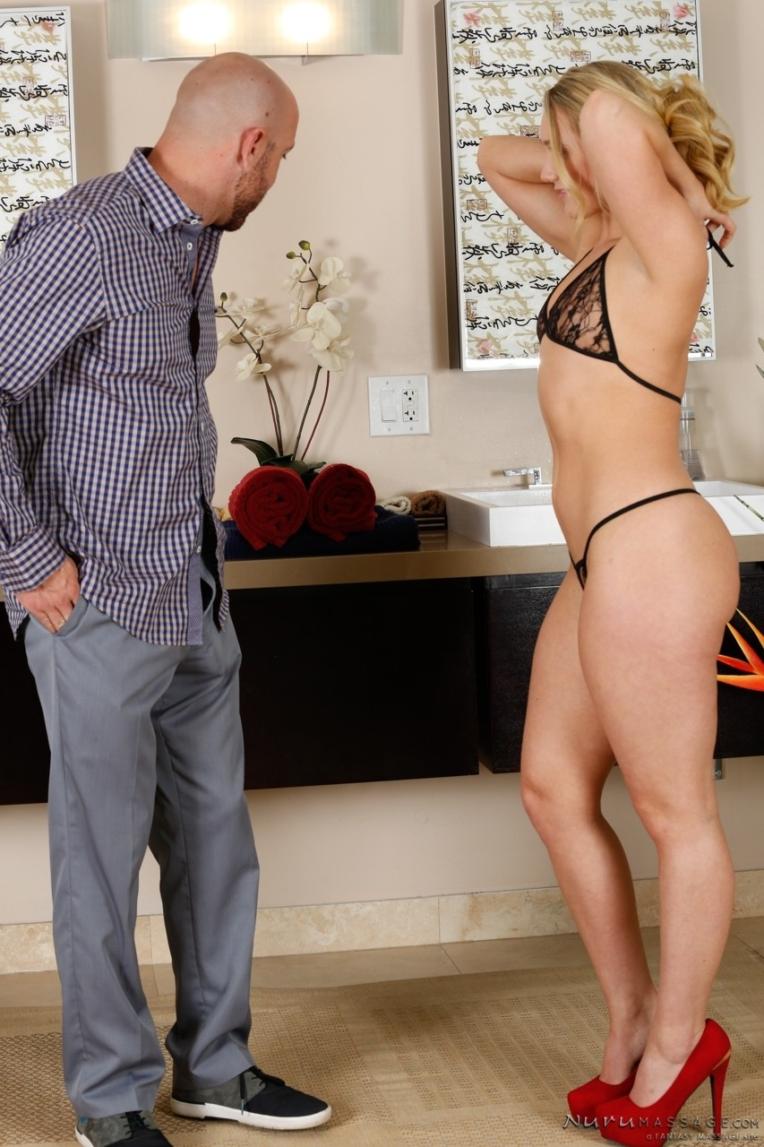 American blond beauty AJ Applegate fucks with her husband in the shower
