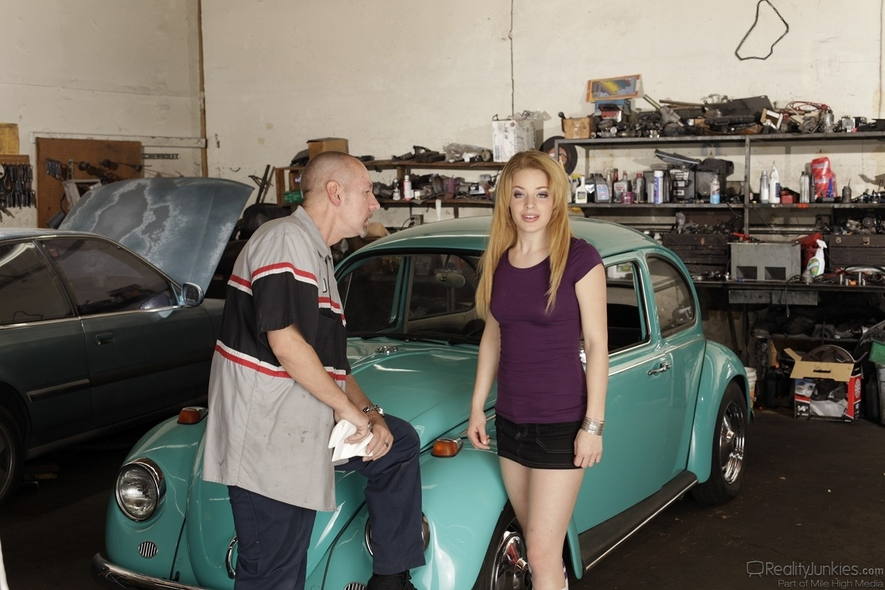 Blonde teen with hot ass Chris Charming gets fucked by older mechanic