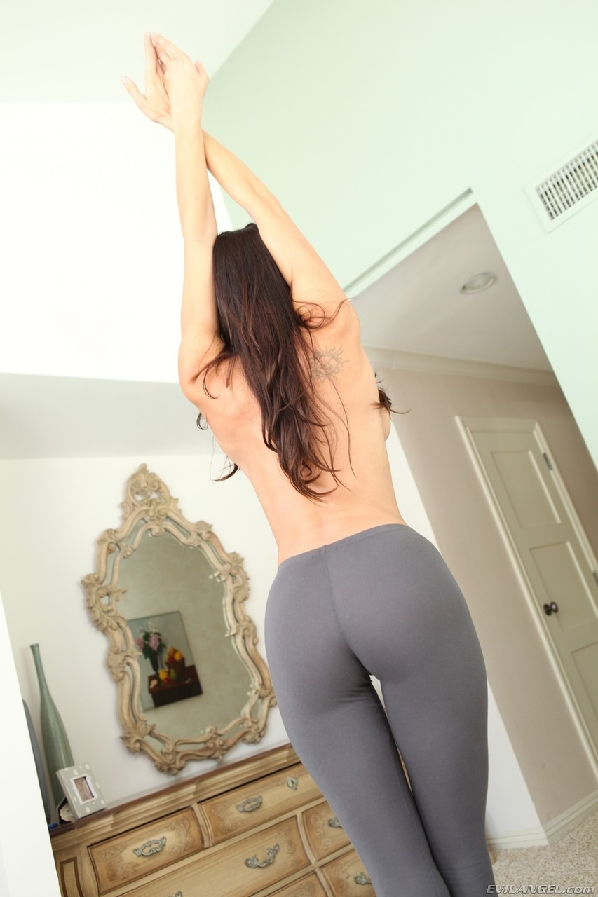 Busty MILF in yoga pants Kaylynn desires big hard cock in her mouth