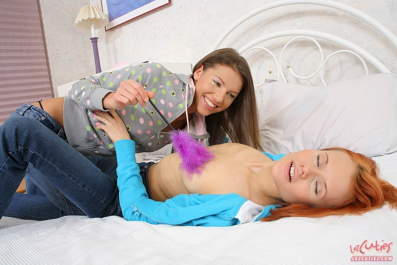 Amateur lesbians Galaxy and Ally N. love playing with their sex toys