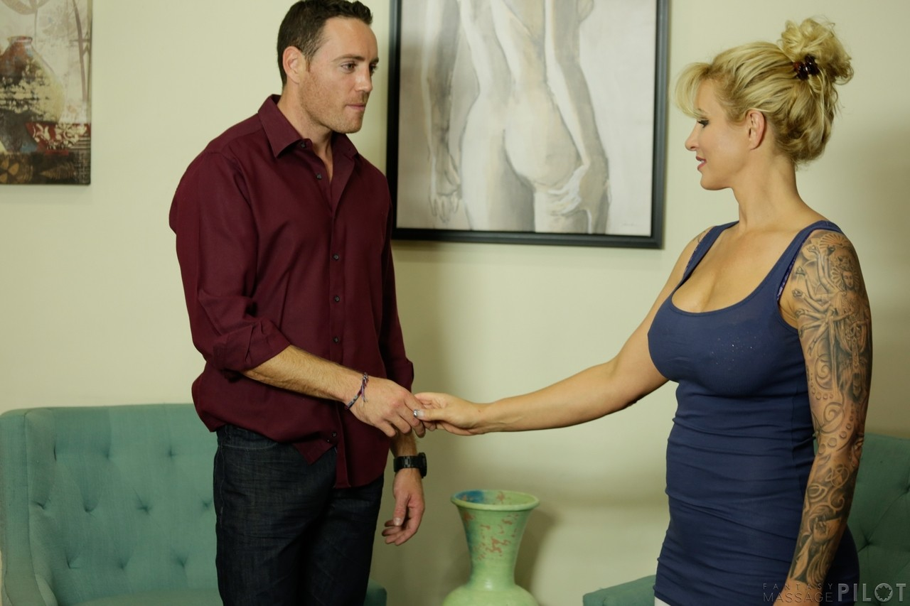 Beautiful blonde MILF Ryan Conner proudly presents her cum-inducing curves