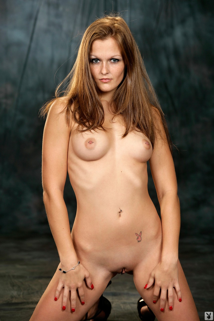 Stunning and fuckable brunettes and blondes posing naked for the photoshoot