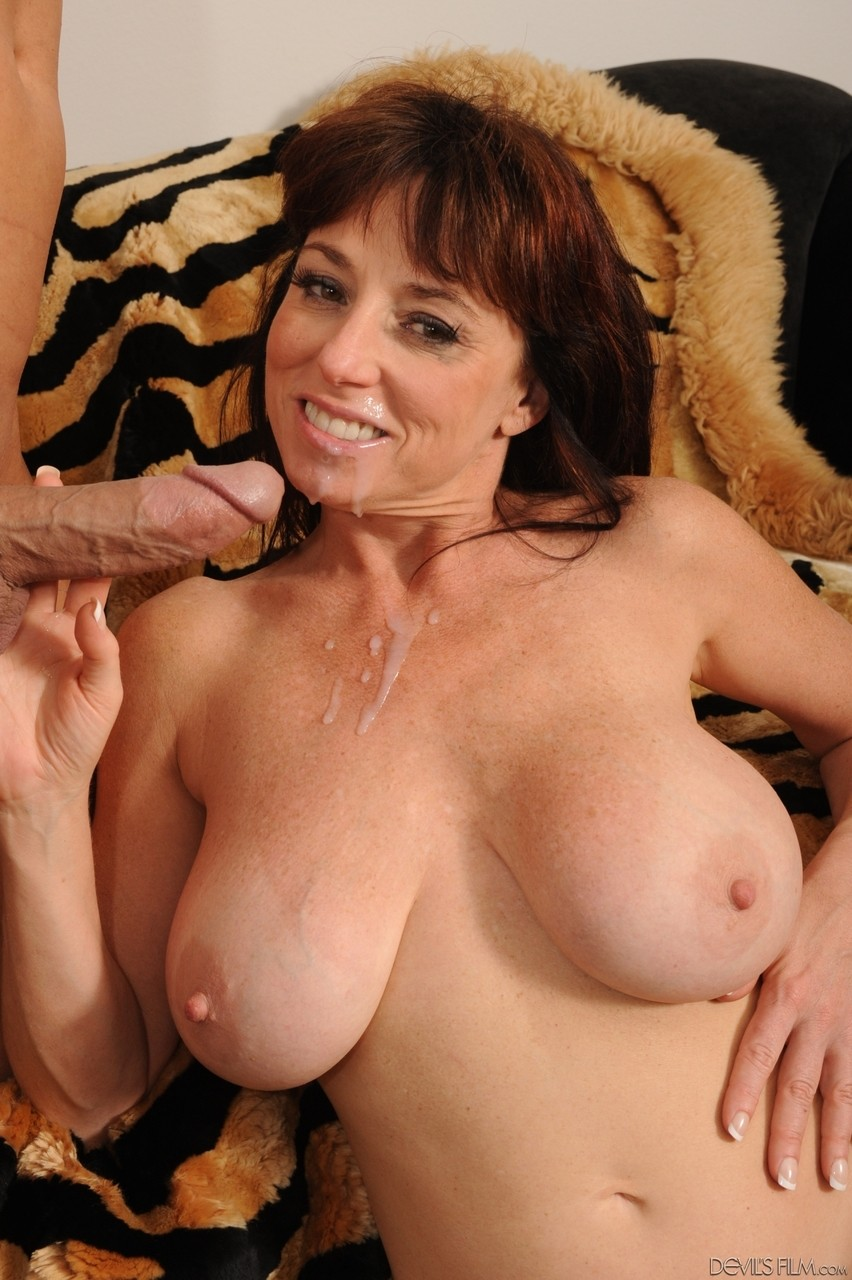 Mature American milf gets fucked and eats cum off her face after