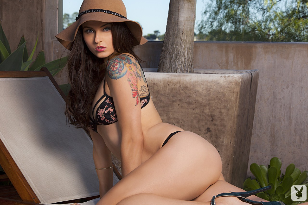 Czech brunette Veronica LaVery exposes and sunbaths her natural curves