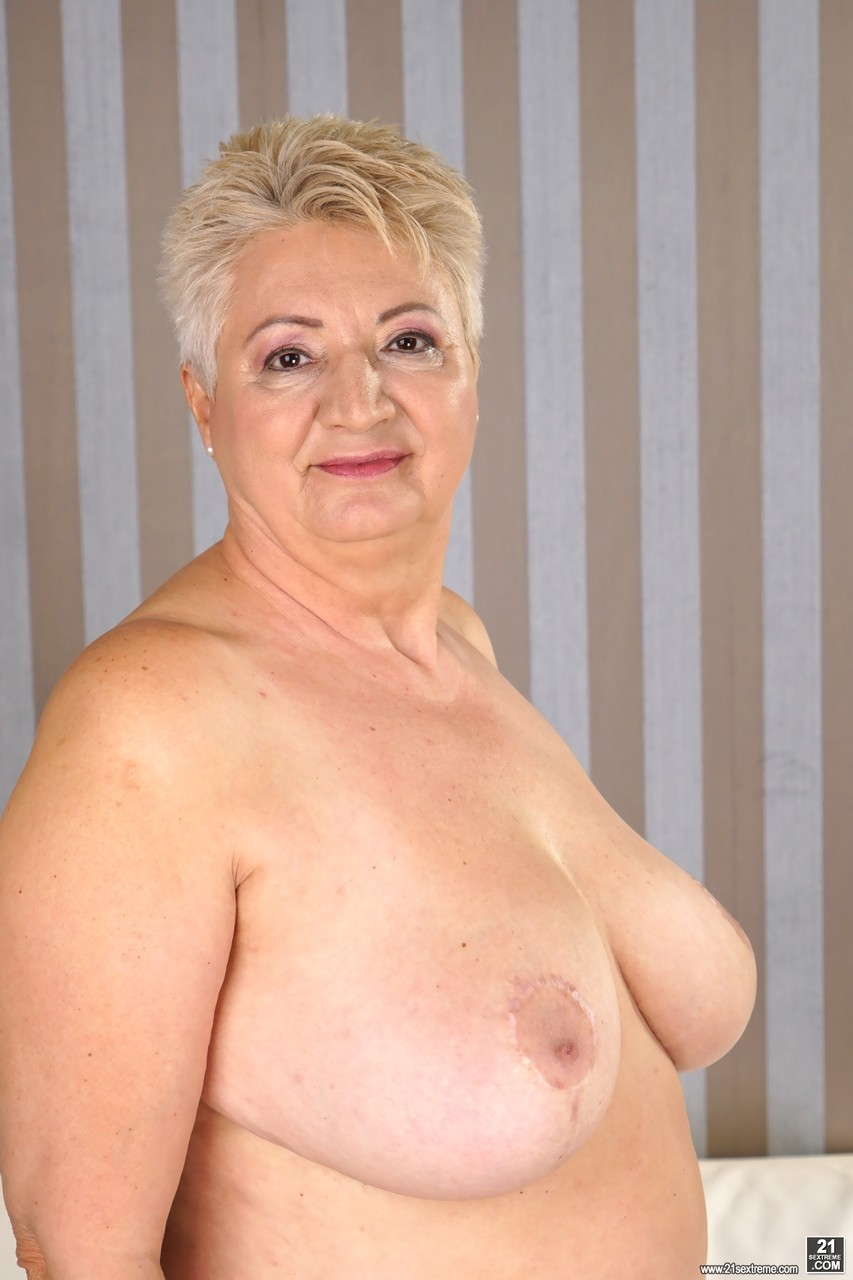 Thick granny Astrid revealing her big juicy tits and round booty