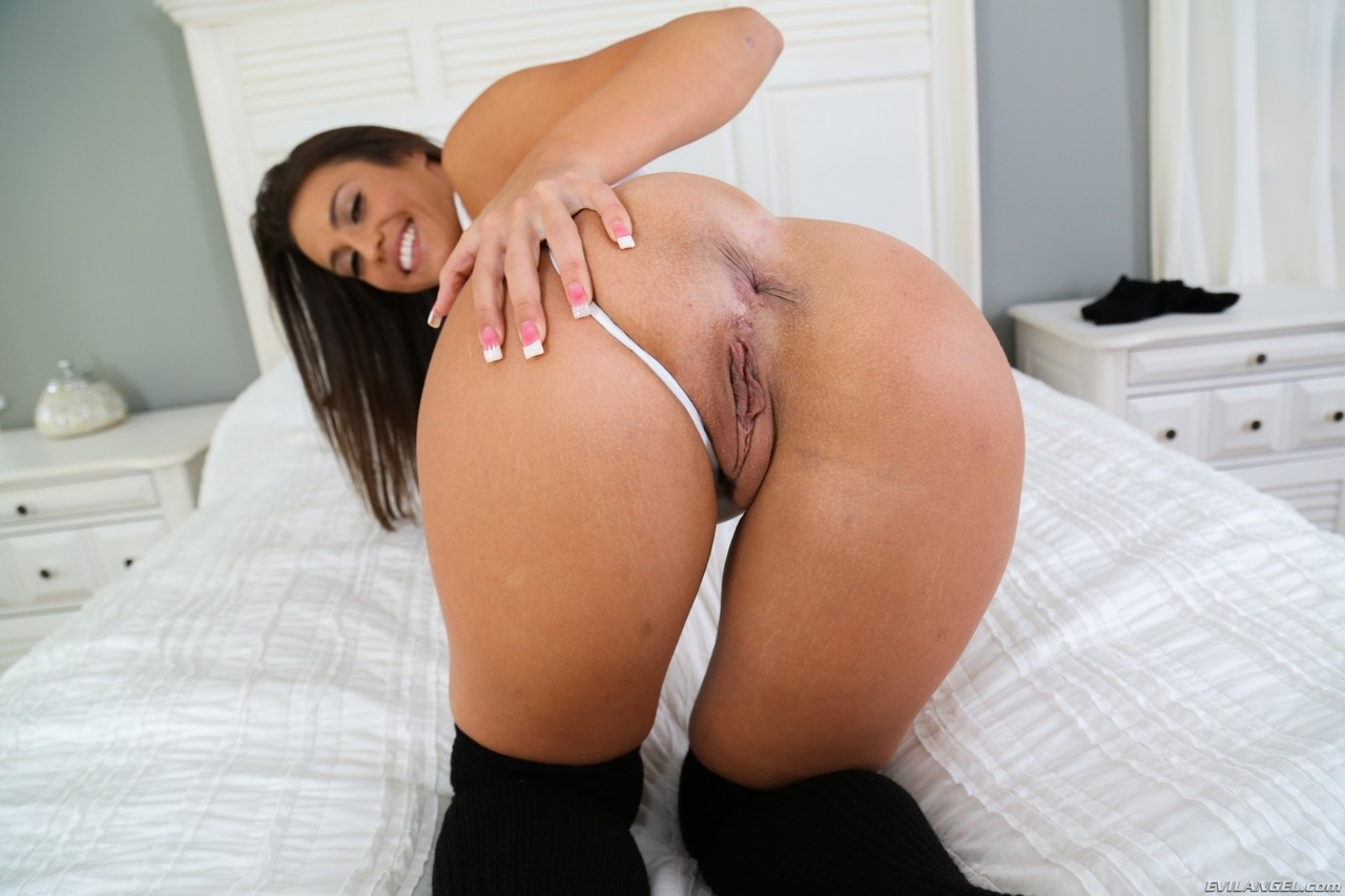 American brunette Kelsi Monroe shows her tight slit and her anus