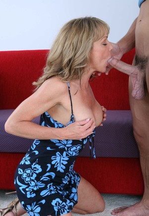 Blonde cougar Shayla LaVeaux goes pussy to mouth after seducing a young boy