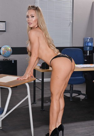 American schoolteacher Nicole Aniston moonlights as a nude model