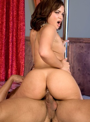Puerto Rican Luccia Cardona getting penetrated on the stripping pole