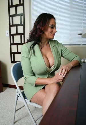 Cumming on Ava Laurens face after banging her boss on his front desk