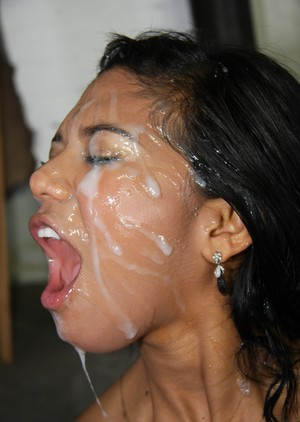 Hot Latina chick Emy Reyes goes for a bukkake session with good ol boys