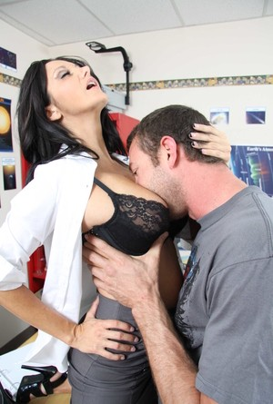 Lucky student bangs Ava Addamss pussy in doggy style in her classroom