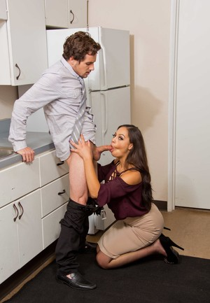 Co-worker receives pleasure from Karissa Kane with a blowjob and some fucking