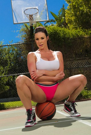 White MILF Kendra Lust gets naked while shooting some outdoor hoops