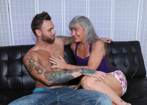 Older woman Leilani Lei seduces her daughter's boyfriend and jerks him off