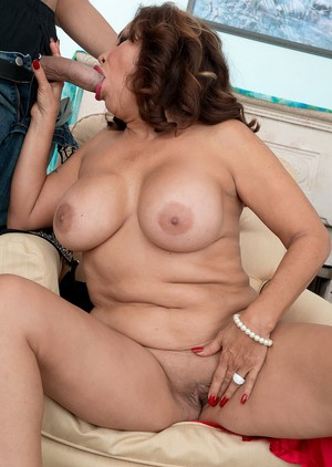 Mature Sandra Martines shows her big tits before her cunt is penetrated