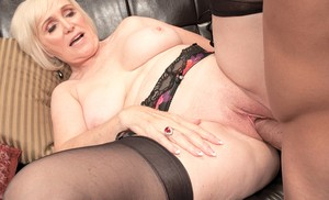 Handsome guy creampies experienced blonde Lola Lee after amazing sex