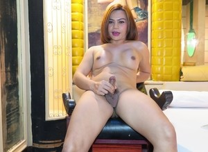 Asian shemale agrees to strip and pose nude for amateur gallery