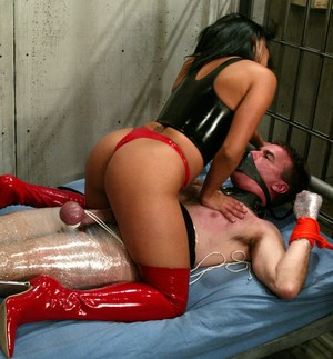 Tanned mistress Jasmine Byrne tortures tied up slave in the cage