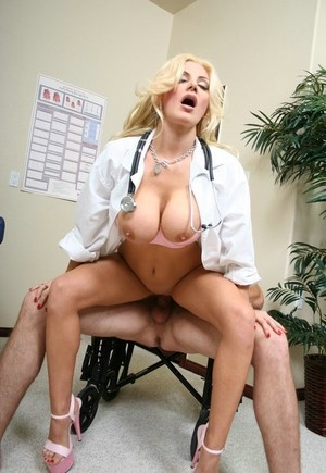 Blonde nurse Brittany Andrews with big tits relieves patient's pain