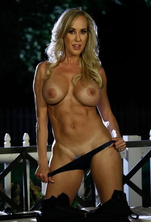 The motto of big-breasted policewoman Brandi Love is to serve and get naked
