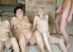 Mature ladies eat pussy and take jizz after signing up for groupsex games