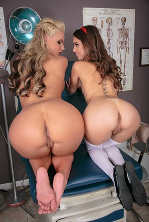 Big ass nurse Phoenix Marie and schoolgirl Riley Reid have some lesbian fun