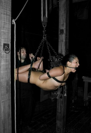 Redhead Miss Jade Indica watches hot slave Sabrina Fox suffering from the pain