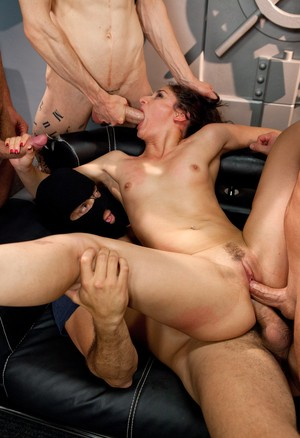 Sheena Ryder gets double penetrated by a couple of lads in a gangbang