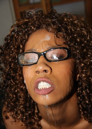 Curly chocolate Misty Stone blows some white cocks out in bukkake session