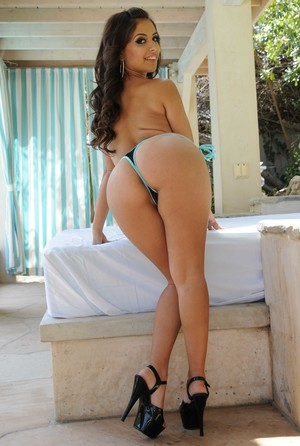 Latin solo girl  Jynx Maze slips her bikini bottoms over her juicy ass