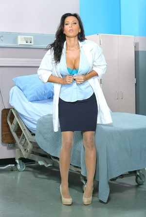 Mind-boggling brunette nurse Lezley Zen waits for patient with hard dick