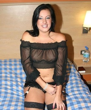Chubby brunette Franky enjoys 69 with a Jim Slip before getting screwed