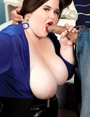 Obese brunette chick Holly Jayde goes pussy to mouth with her Latino lover