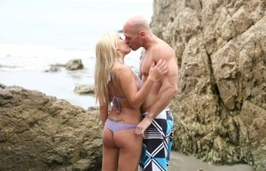 While Jessica Moore was at the beach with her boyfriend she got fucked hard