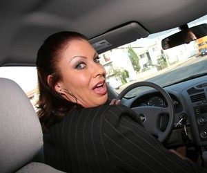 Fantastic cougar Vanessa Videl likes riding her cunt on a fresh dark cock