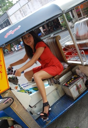 Thai first timer goes from Tuk Tuk driver to a nude model on the rise
