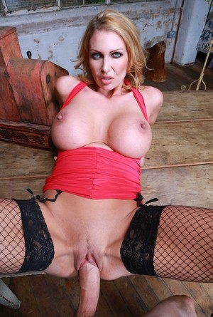 Naughty Mom With Huge Tits Leigh Darby Takes Her Sexy Clothe 1