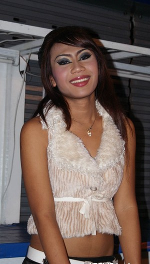 Beautiful ladyboys show off their attractive bodies in their sexy outfits