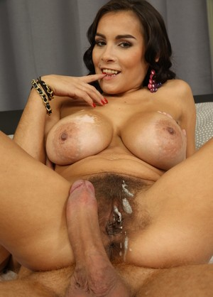 Mature babe Mischel Lee lets him worship her legs and tits before the banging