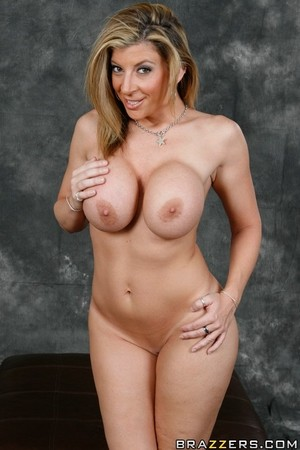 Voluptuous pornstar Sara Jay demonstrates her voluptuous MILF-styled body