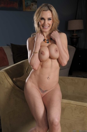 Busty blonde lady Tanya Tate sticks a finger in her twat once naked