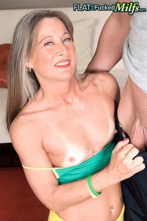 Mature lady Leilani Lei bangs her younger yoga instructor after the limber up