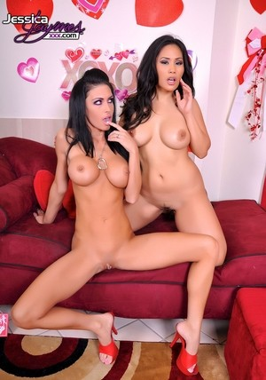 Busty models Jessica Bangkok & Jessica Jaymes experimenting with a new sex toy
