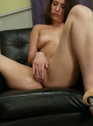 Straight girl spreads her legs for satisfying vaginal penetration
