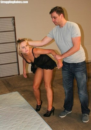 Sexy blonde Barra Brass got tied up and mouthstuffed by a violent guy