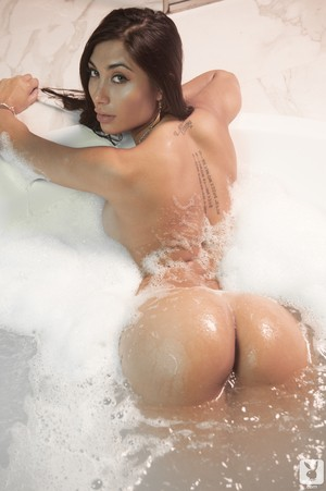Argentinian female  Belen Lavallen flaunts her amazing ass in bathroom