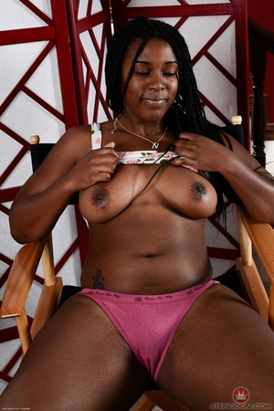 Thick black woman Janelle Taylor spreads her labia lips after undressing